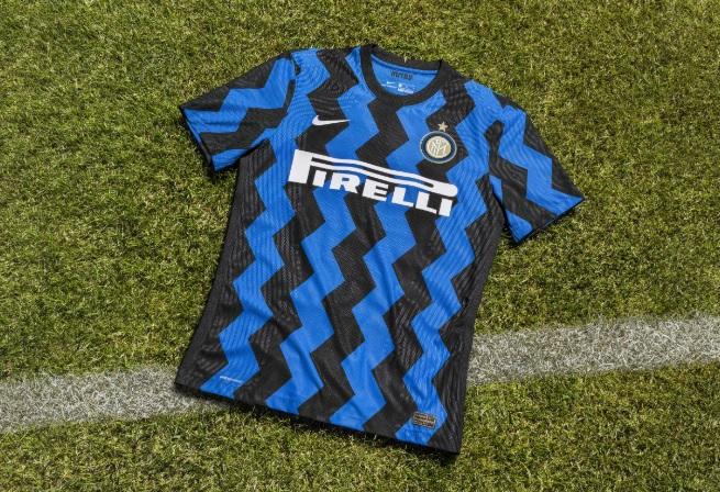 Nike lança camisa da Internazionale com listras em zigue-zague