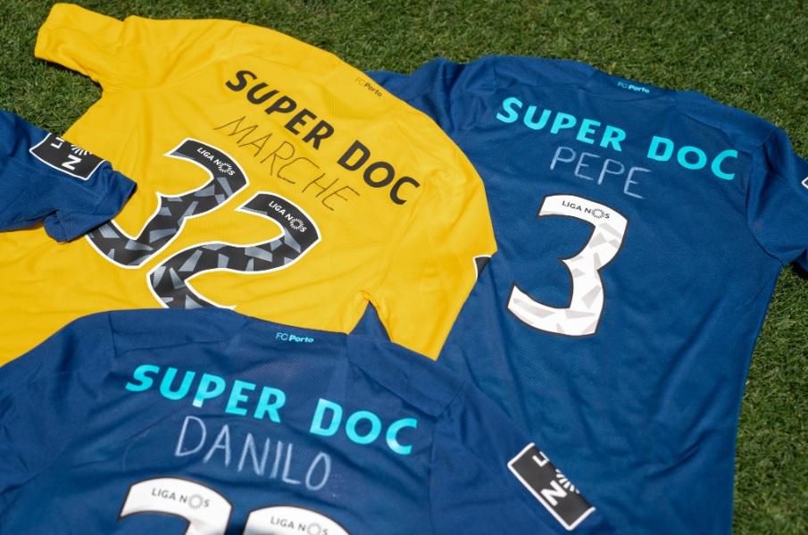 """Porto homenageia """"linha de frente"""" contra Covid-19 nas camisas"""