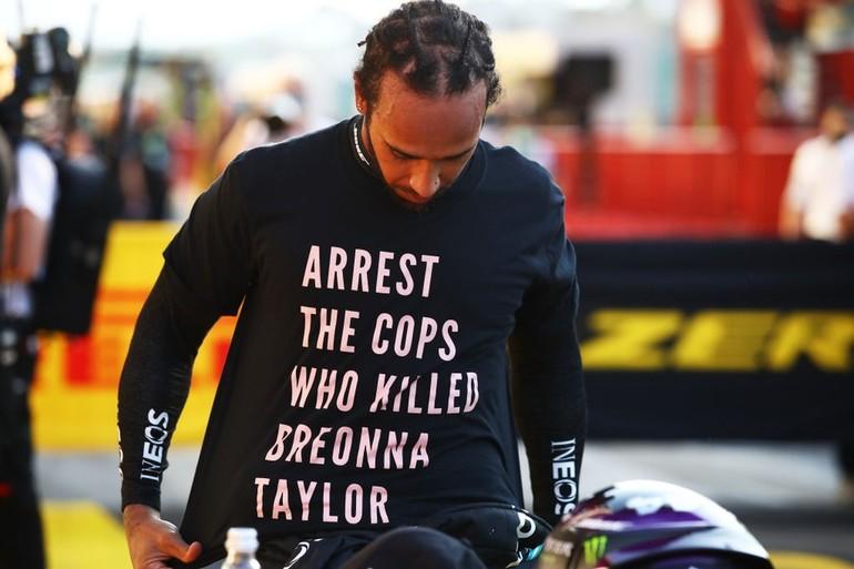 Análise: É urgente. O esporte precisa banir o racismo!